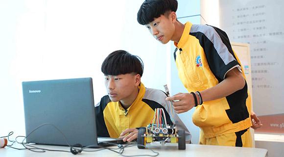 智能网联与新能源汽车服务-山东优德亚洲汽车学校